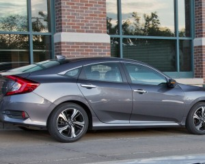 2016 Honda Civic Touring Exterior Side