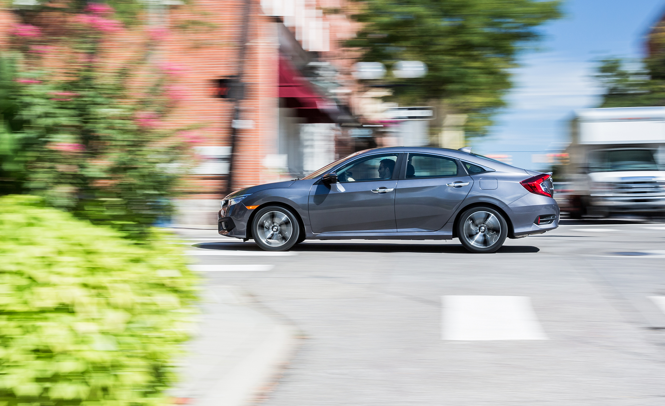 2016 Honda Civic Touring Test Side View