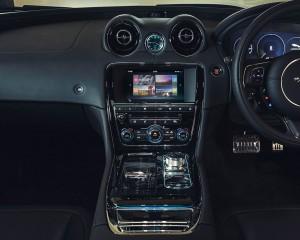2016 Jaguar XJR Dashboard Interior