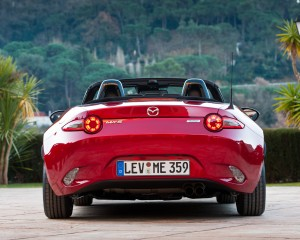 2016 Mazda MX-5 Miata Rear End Design