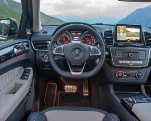 2016 Mercedes-Benz GLE400 4MATIC Interior Cockpit