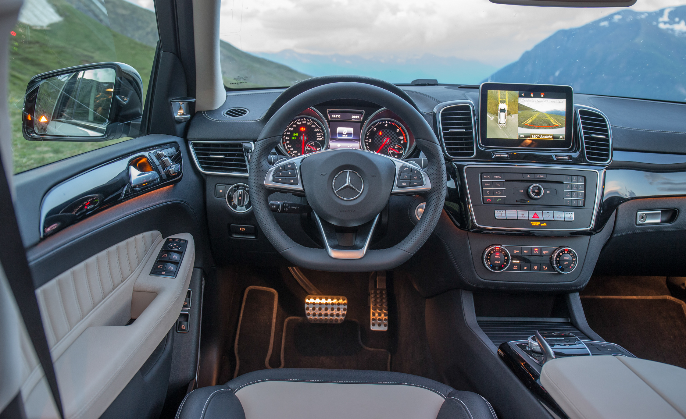 2016 mercedes benz gle400 4matic interior cockpit 7567 for 2016 mercedes benz gle400 4matic