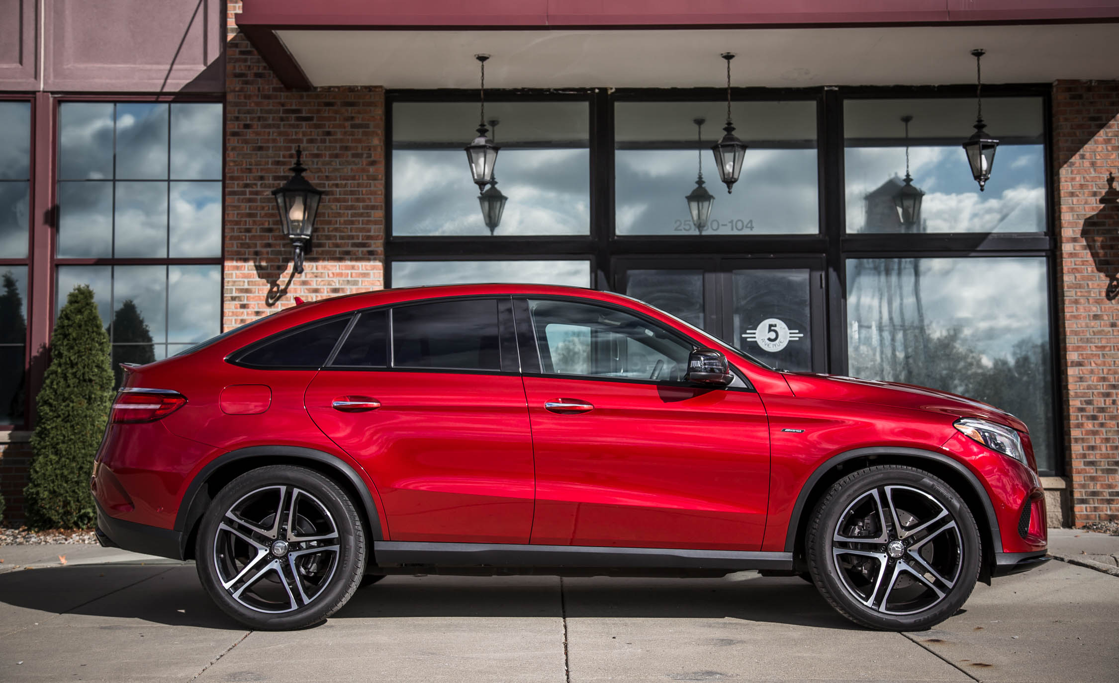 2016 Mercedes-Benz GLE450 AMG Coupe Exterior Side
