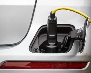 2016 Mercedes-Benz GLE500e 4MATIC Charging Port
