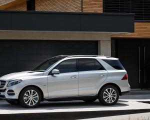 2016 Mercedes-Benz GLE500e 4MATIC Preview