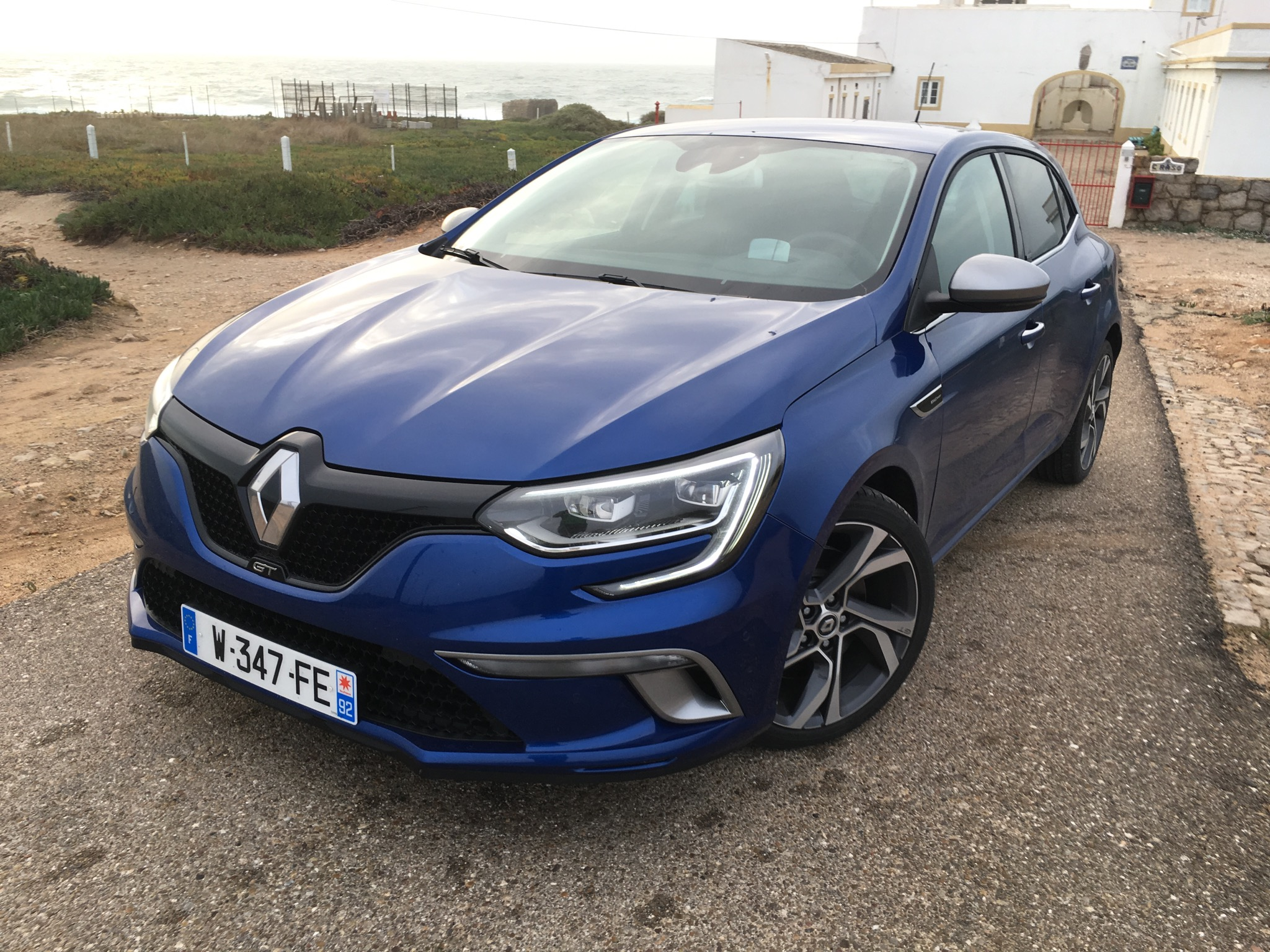 the stunning new renault megane 2016 hatchback review 6567 cars performance reviews and. Black Bedroom Furniture Sets. Home Design Ideas
