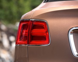 2017 Bentley Bentayga Taillight
