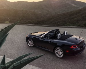 2017 Fiat 124 Spider Convertible Interior Preview