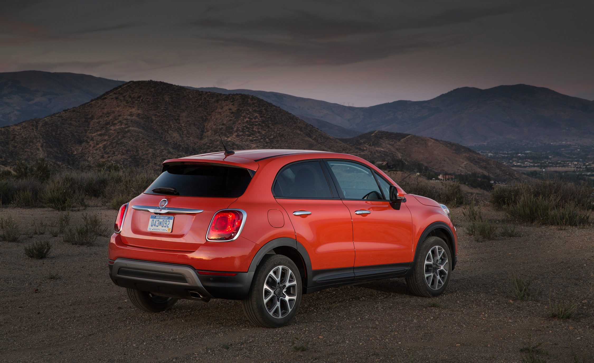 All-New 2016 Fiat 500X Trekking Rear Side