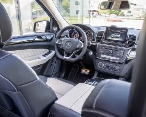 Cockpit Interior Mercedes-Benz GLE400 4MATIC 2016