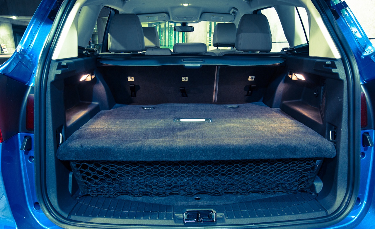 Ford C Max Energi Cargo Space 7434 Cars Performance Reviews