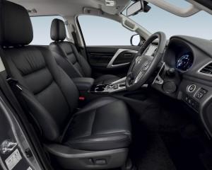 Front Seats 2016 Mitsubishi Pajero Sport