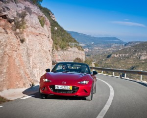 Front View 2016 Mazda MX-5 Miata Red