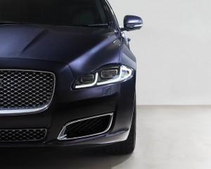 Headlamp and Grille 2016 Jaguar XJL