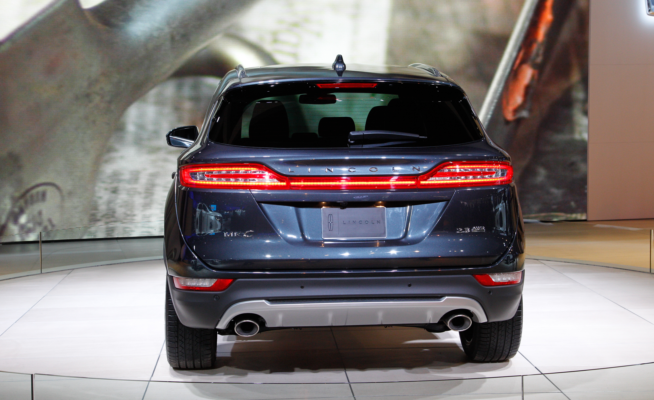 Lincoln MKC 2015 Rear End