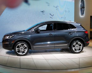 Lincoln MKC 2015 Side Body