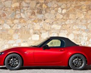 Mazda MX-5 Miata Convertible 2016