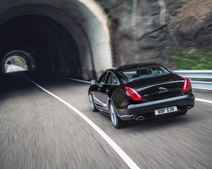 Rear Body 2016 Jaguar XJ