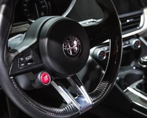 Streering Wheel 2017 Alfa Romeo Giulia Quadrifoglio
