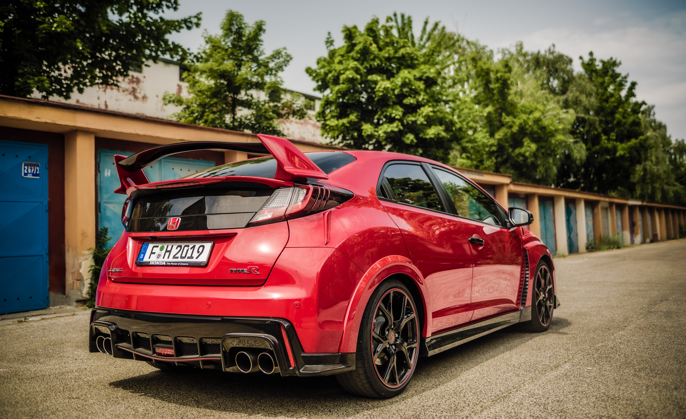2015 Honda Civic Type R Exterior Full Rear and Side