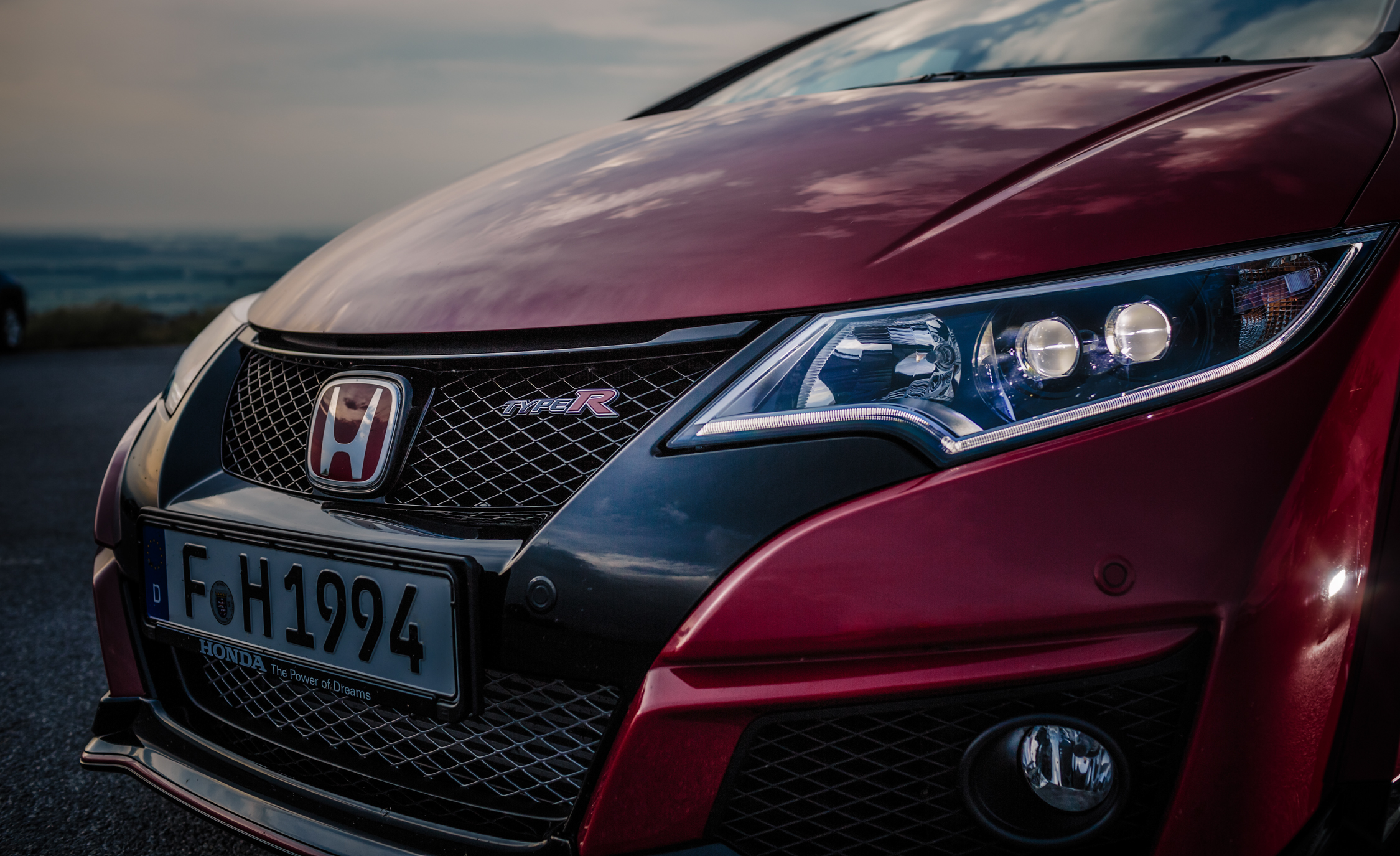 2015 Honda Civic Type R Exterior Grille and Badge
