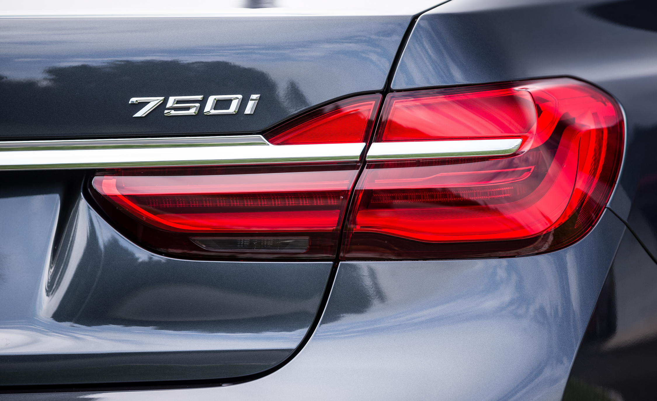 2016 BMW 750i xDrive Exterior Taillight