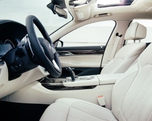 2016 BMW 750i xDrive Interior Front Seats