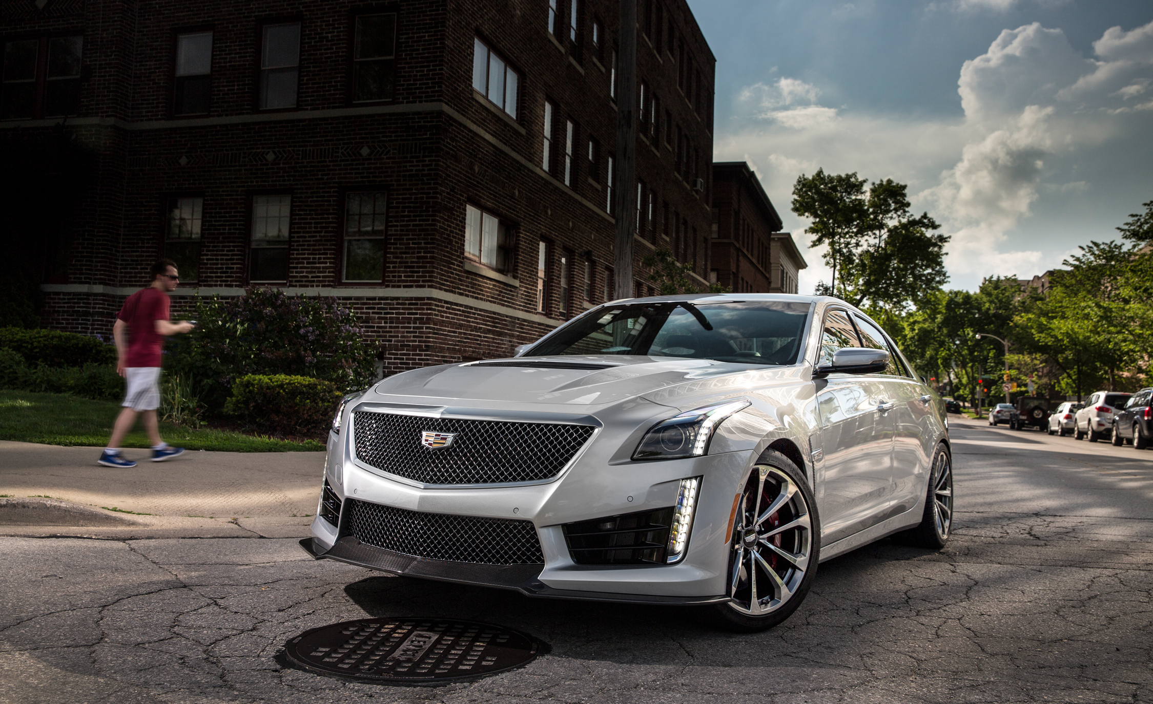 2016 Cadillac CTS-V Exterior Full Front and Side
