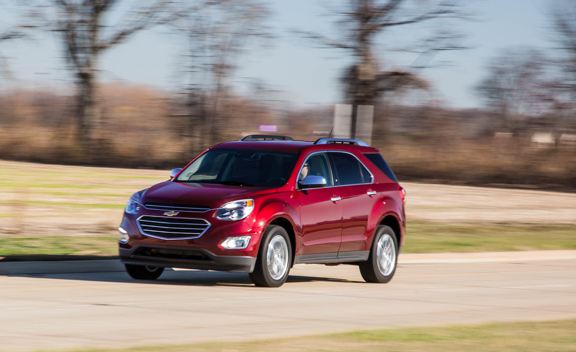2016 Chevrolet Equinox LTZ Test Front and Side View