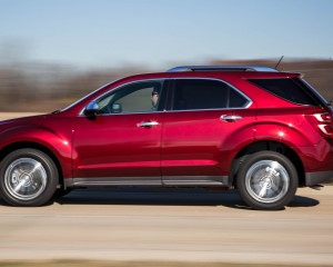 2016 Chevrolet Equinox LTZ Test Side View