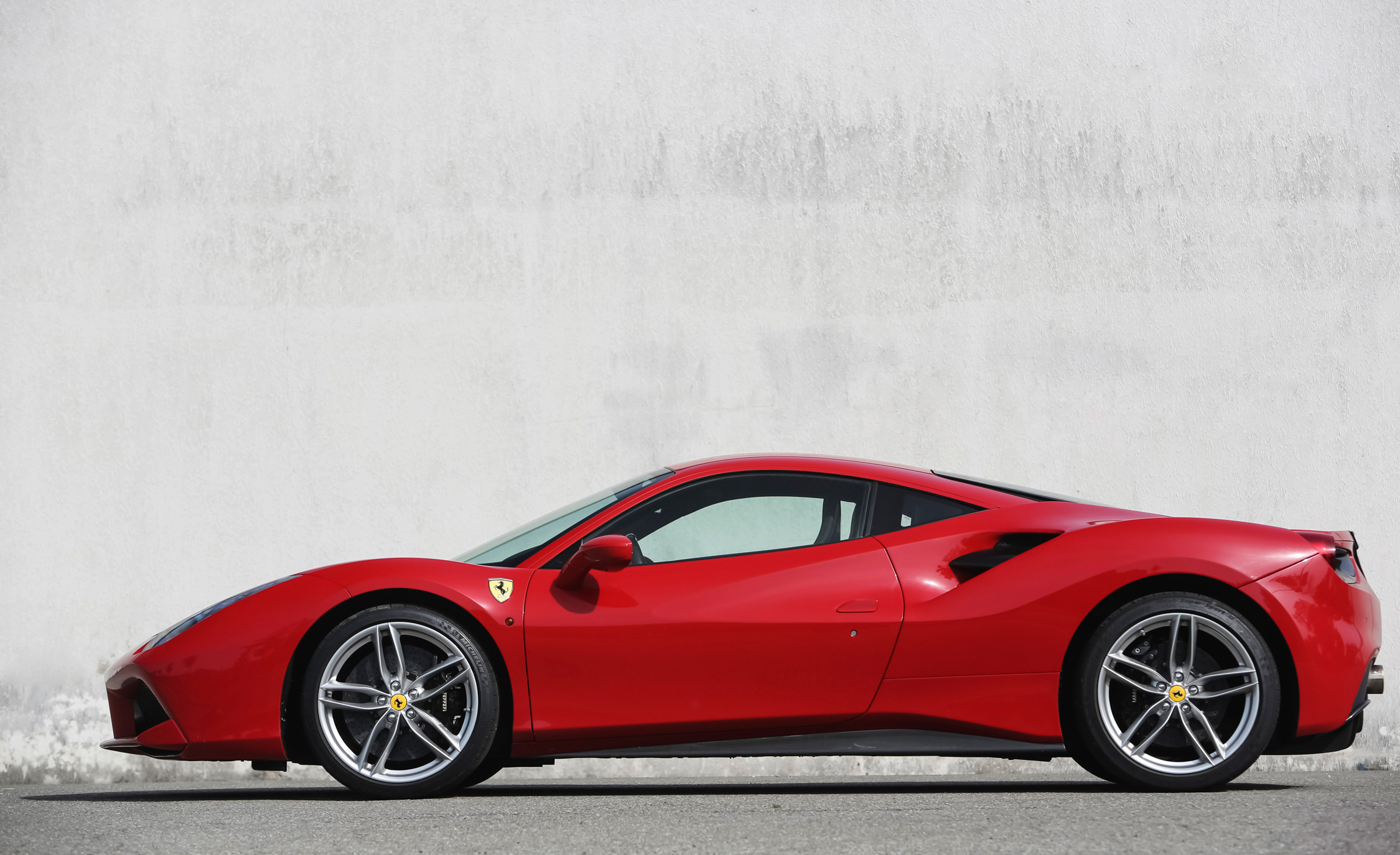 2016 Ferrari 488GTB Exterior Full Side Left