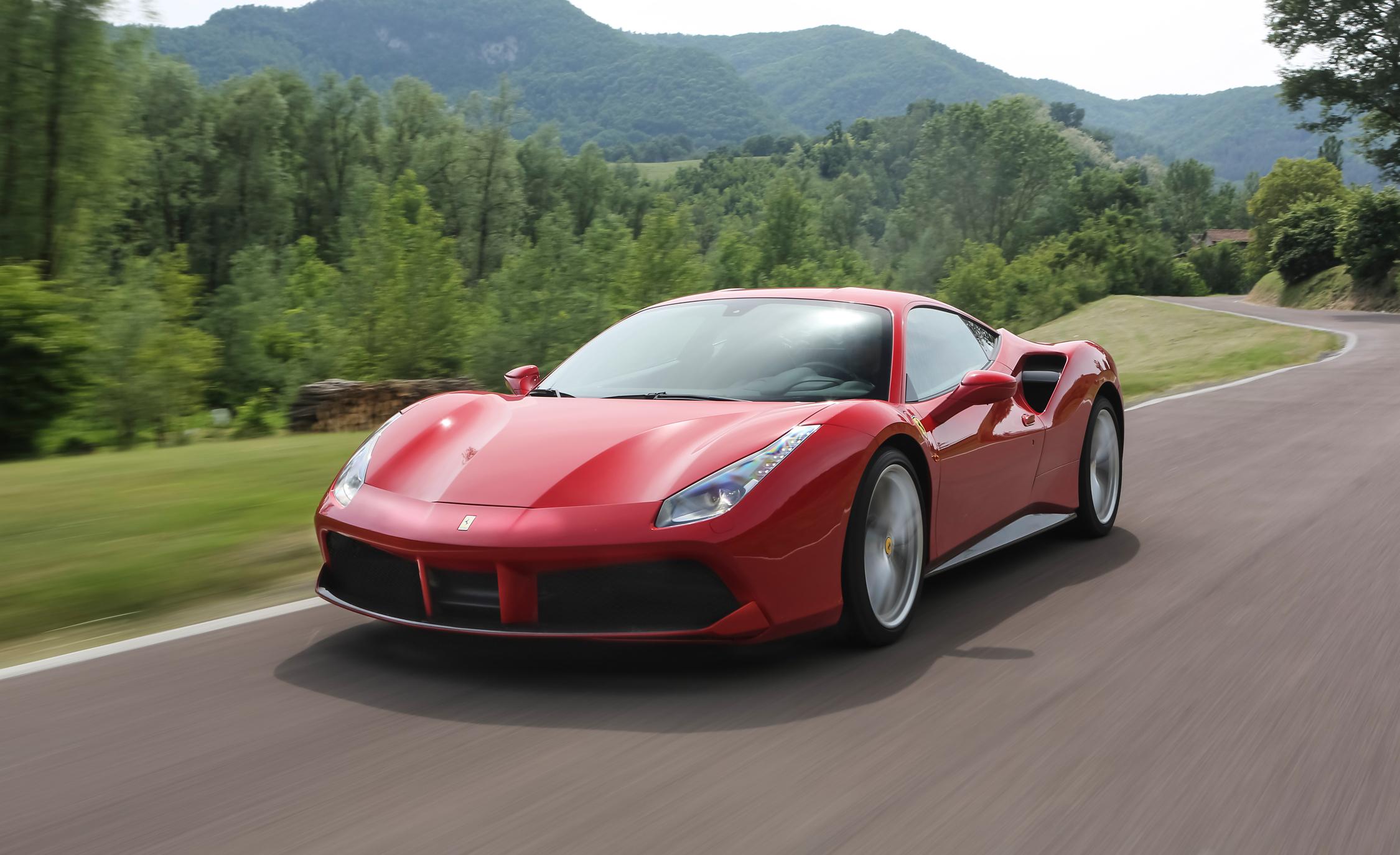 2016 Ferrari 488GTB Full
