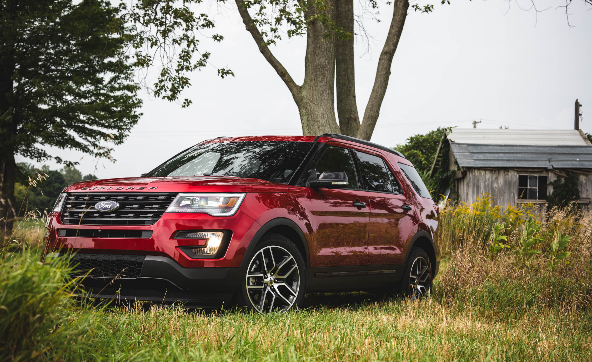 2016 Ford Explorer Sport Exterior Full Front and Side