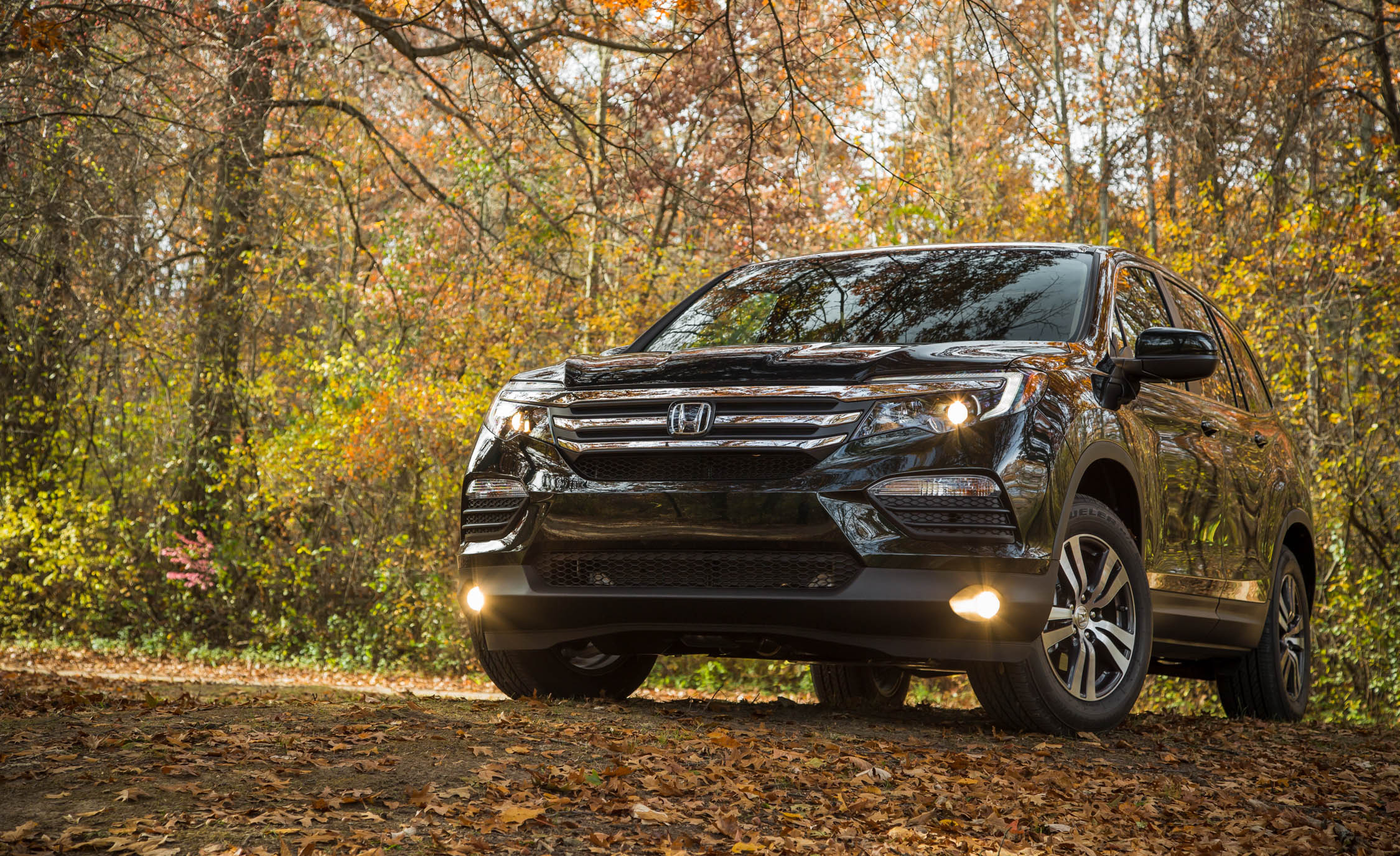 2016 Honda Pilot EX FWD Exterior Full Front and Side