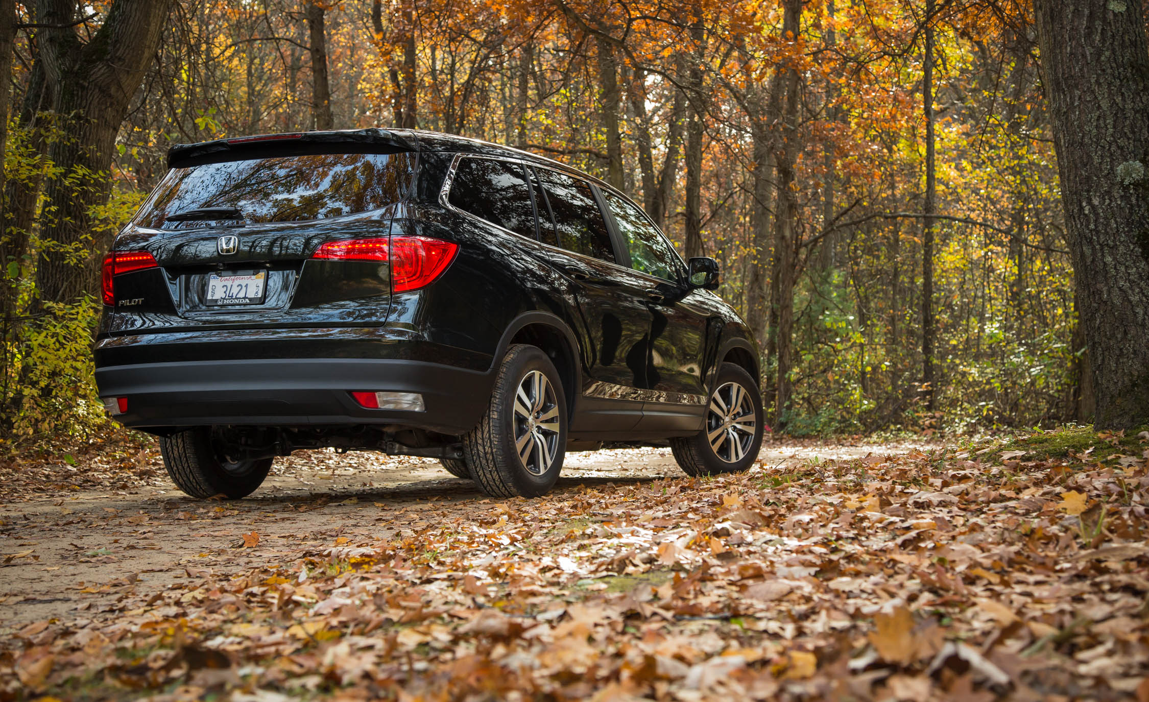 2016 Honda Pilot EX FWD Exterior Full Rear and Side
