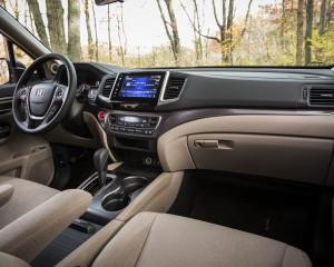 2016 Honda Pilot EX FWD Interior Dashboard