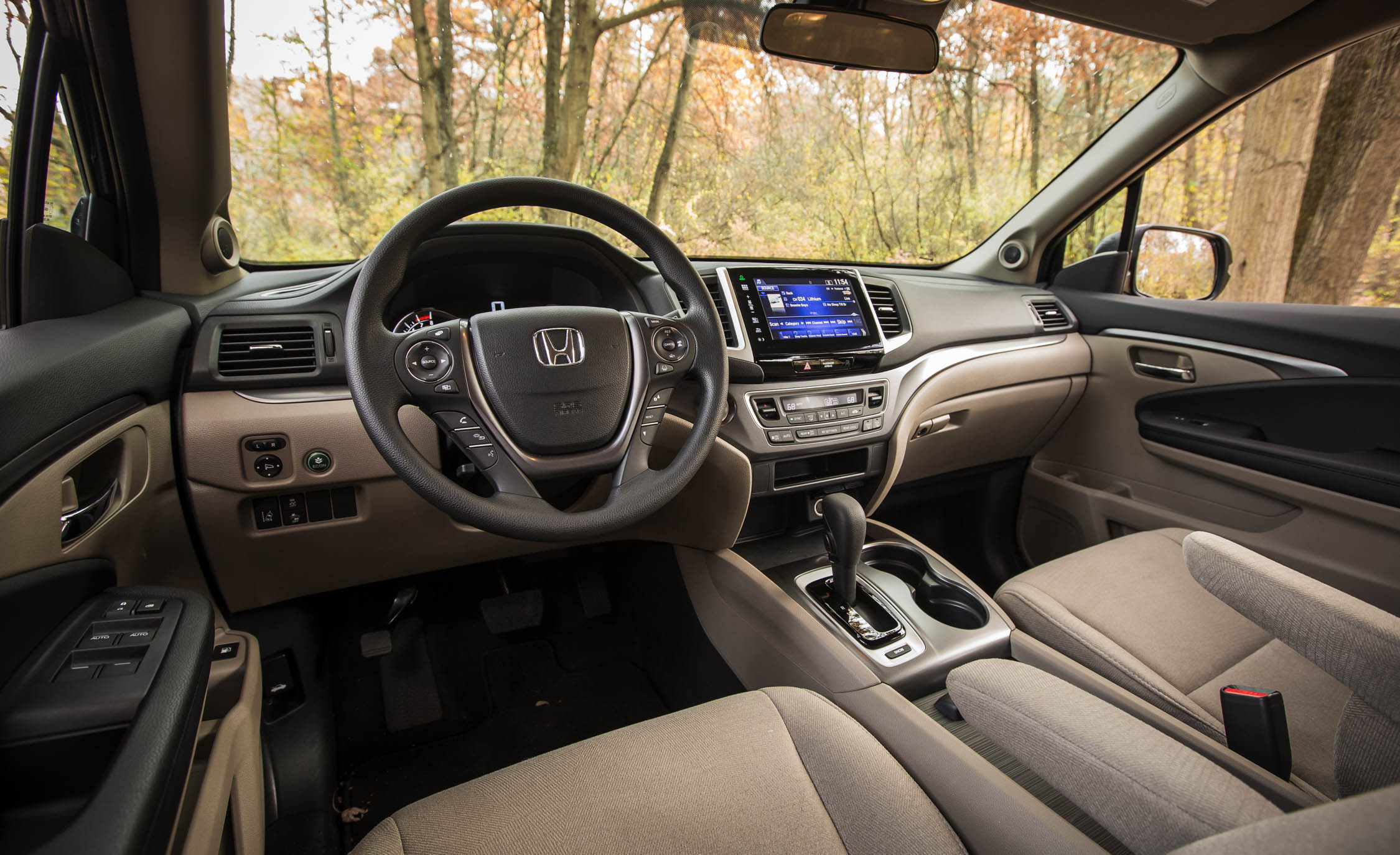 2016 Honda Pilot Interior Detail Wallpaper 23 1280x960 Pictures to pin ...