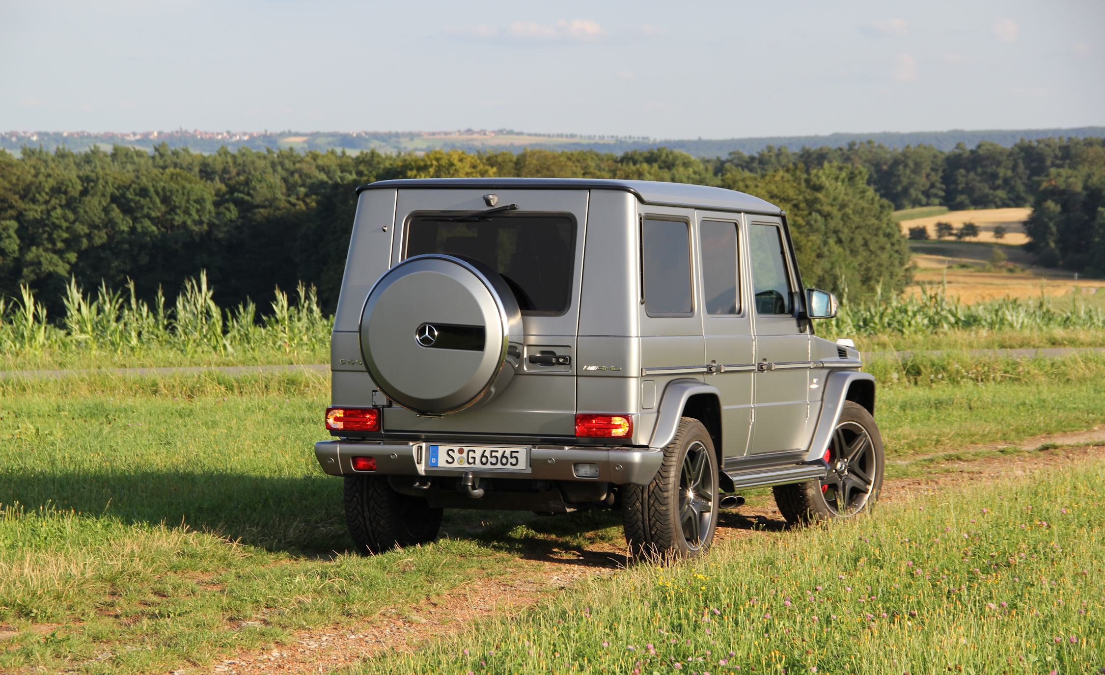 2016 Mercedes-Benz G65 AMG Exterior Side and Rear
