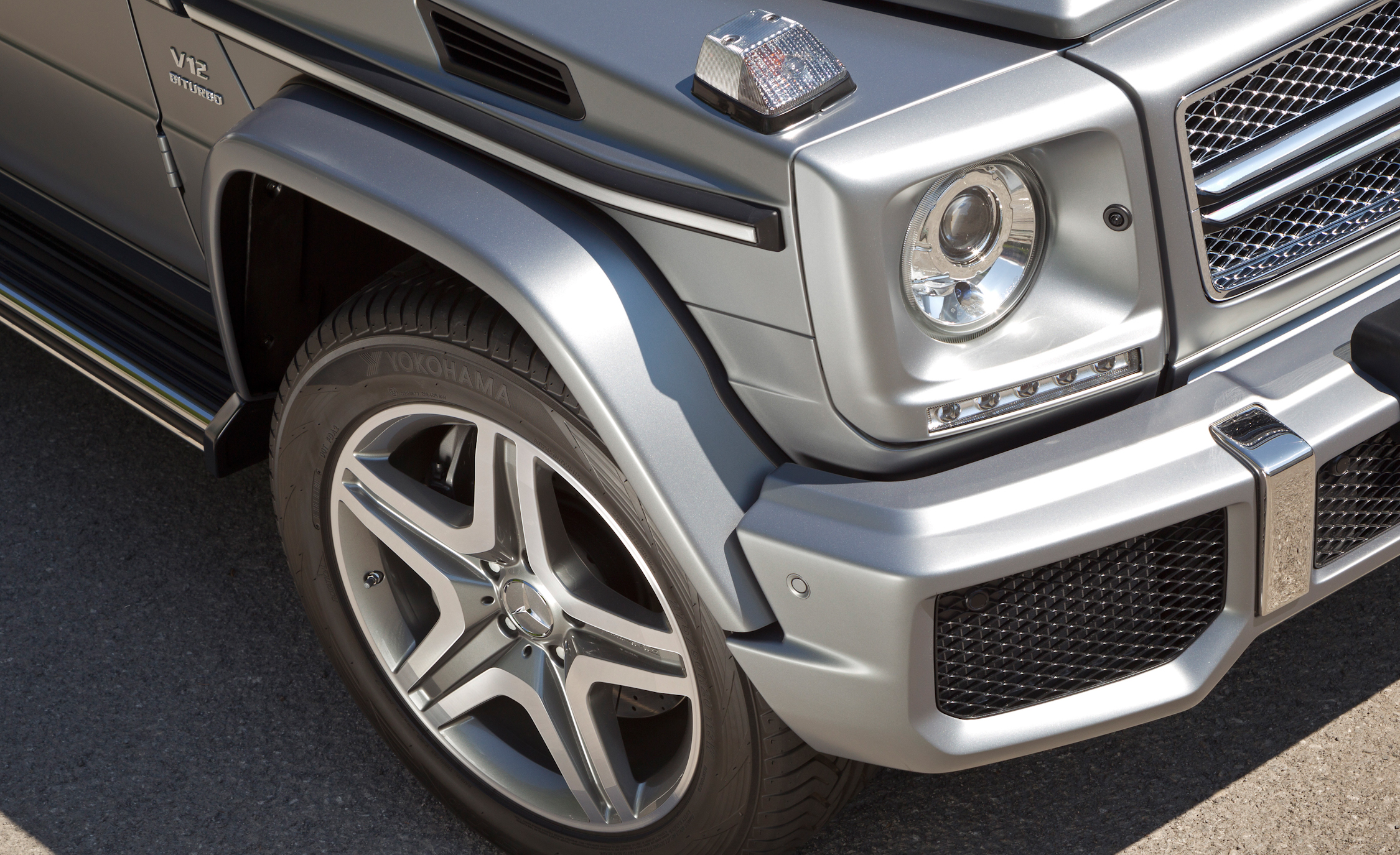 2016 Mercedes-Benz G65 AMG Exterior Wheel and Headlight