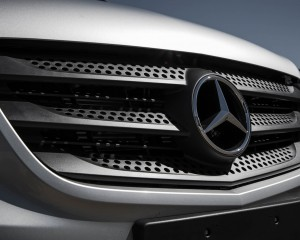 2016 Mercedes-Benz Metris Exterior Grille and Badge
