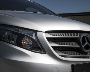 2016 Mercedes-Benz Metris Exterior Grille and Headlight
