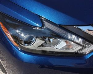2016 Nissan Altima Exterior Headlight