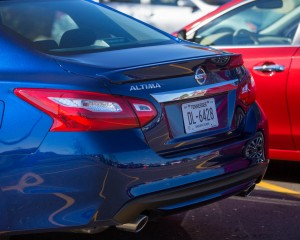 2016 Nissan Altima Exterior Rear Body