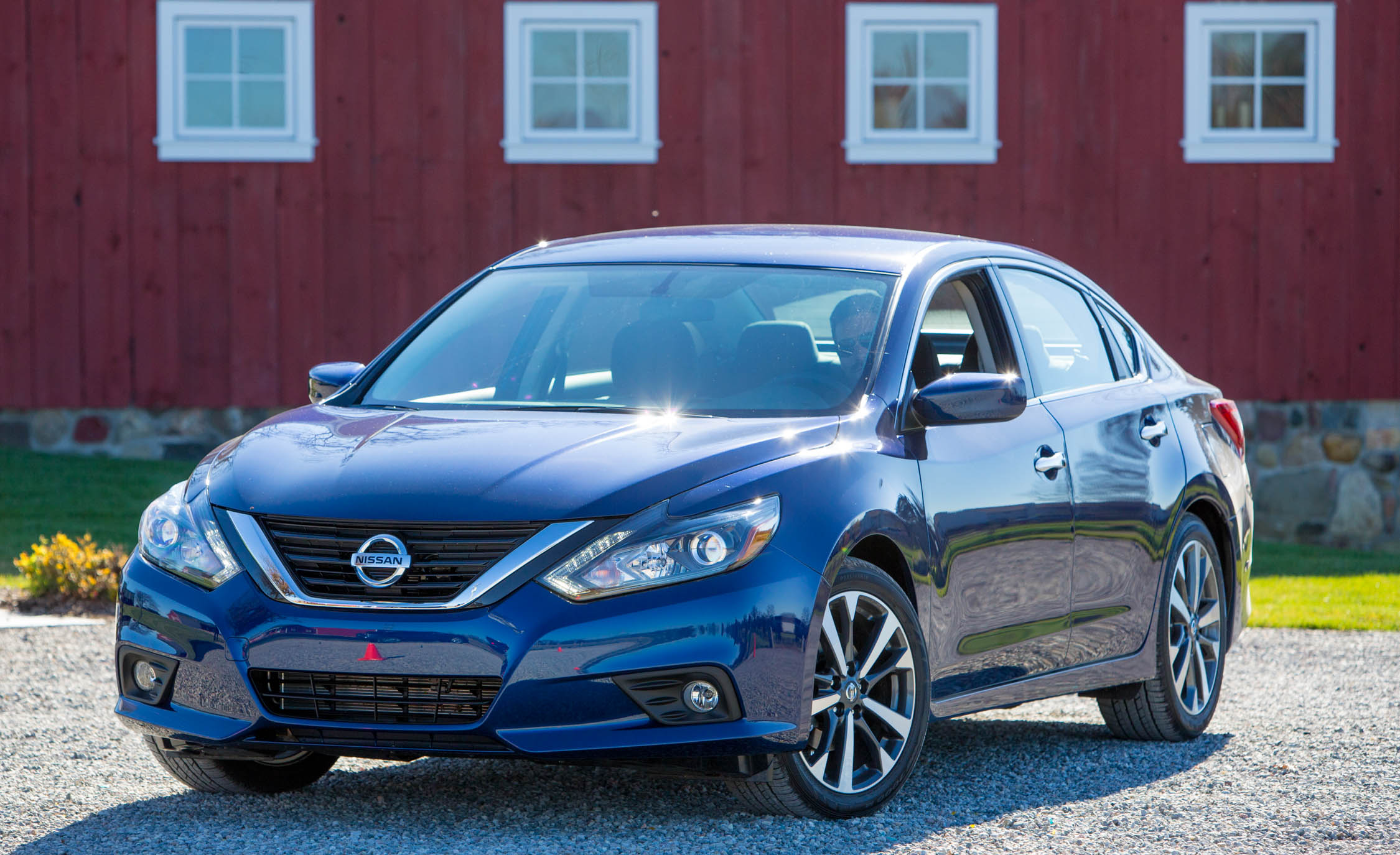 2016 nissan altima exterior 8299 cars performance reviews and test drive. Black Bedroom Furniture Sets. Home Design Ideas