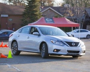 2016 Nissan Altima SV Exterior Silver