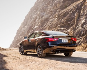 2016 Nissan Maxima SR Exterior Full Rear and Side