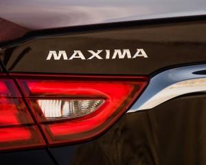 2016 Nissan Maxima SR Exterior Taillight