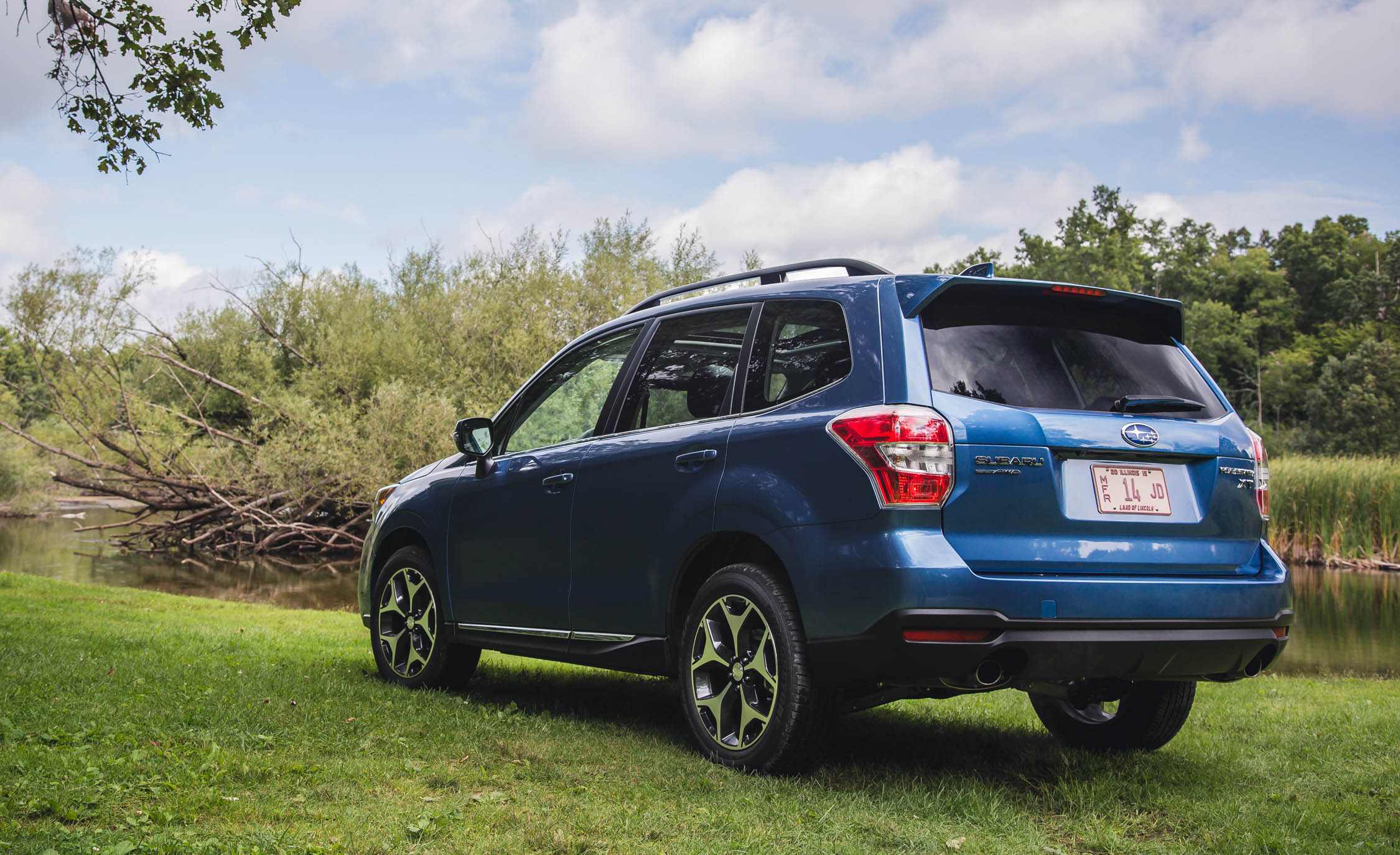 2016 Subaru Forester 2.0XT Touring Exterior Full Rear and Side