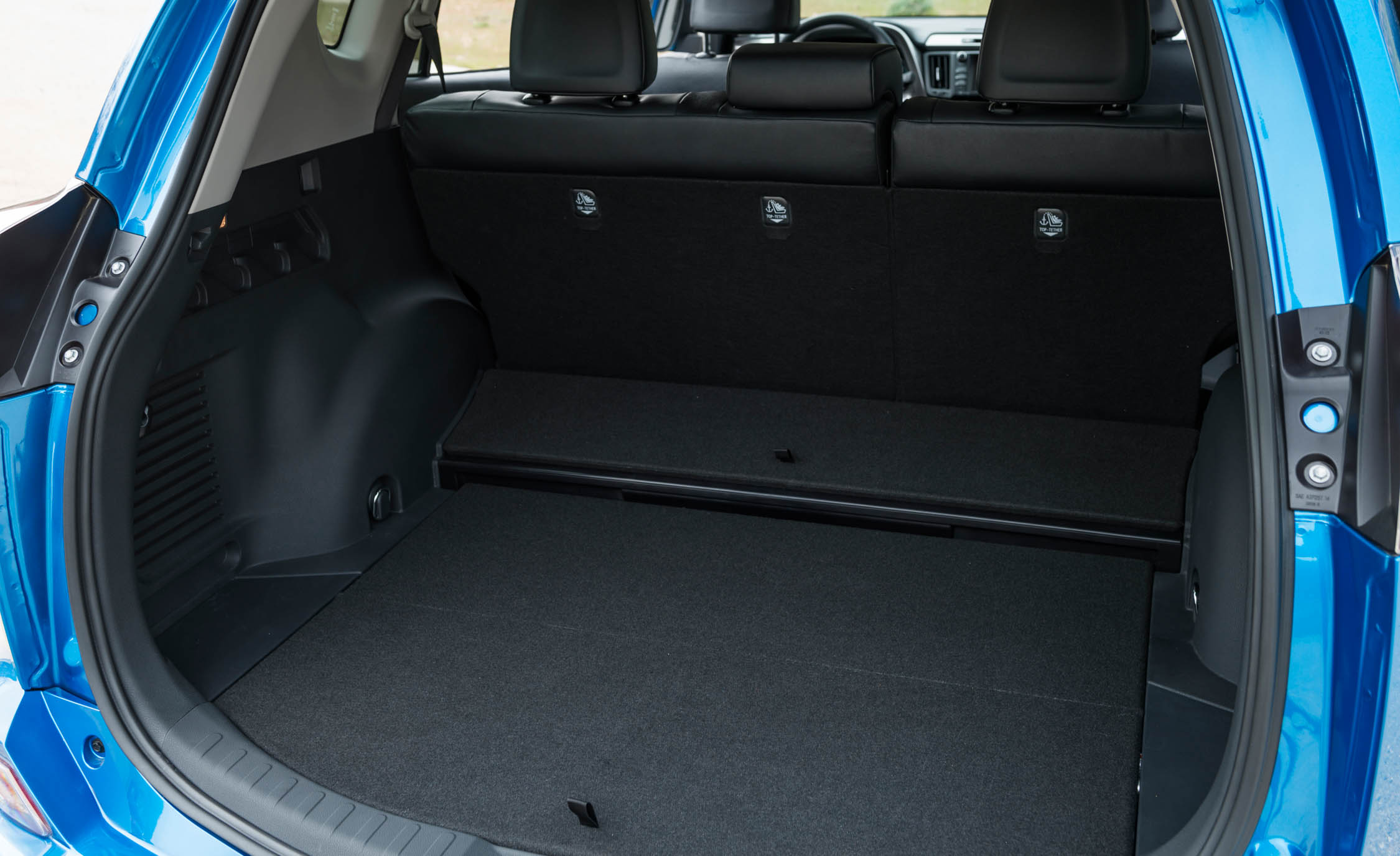 2016 toyota rav4 hybrid interior cargo space 8268 cars. Black Bedroom Furniture Sets. Home Design Ideas