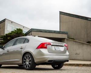 2016 Volvo S60 T5 Inscription Exterior Full Rear and Side